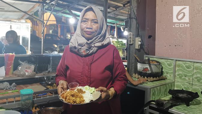 Warung Ayam Selimut milik Ibu Lely. (Liputan6.com/ Andina Librianty)