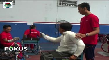 Untuk pertama kalinya, kontingen Indonesia akan menurunkan tim anggar kursi roda di Asian Para Games 2018. Meski begitu, para atlet optimistis dapat meraih medali emas.