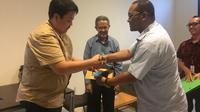 Maskapai Lion Air berikan santunan kepada keluarga atau ahli waris penumpang penerbangan JT-610, di Hotel Ibis Cawang, Jakarta Timur, Kamis (29/11/2018). Pemberian tersebut diberikan kepada keluarga yang sudah melengkapi dokumen persyaratan.