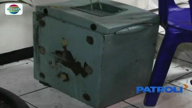 Warga Bekasi Timur dihebohkan dengan penemuan brankas hijau yang diduga barang hasil curian.