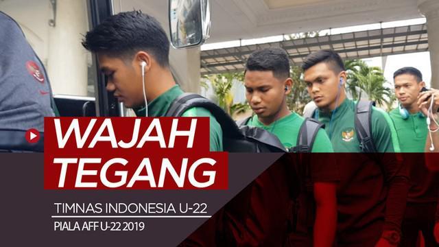 Berita video vlog kali ini tentang ketegangan yang terpancar di wajah pemain Timnas Indonesia U-22 sebelum menghadapi Myanmar di Piala AFF U-22 2019.