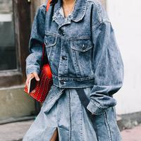 Denim Skirt to wear Everyday - Photo: collagevintage