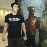 Abimana Aryasatya memiliki harapan dan tanggung jawab berperan menjadi Sancaka di film Gundala. (Bambang E. Ros/Fimela.com)