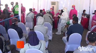 Pemerintah Kota Surabaya mengadakan rapid test dan tes swab massal kepada ratusan warga Kota Surabaya secara gratis di sejumlah wilayah Surabaya, Jawa Timur.
