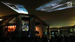 Penampakan hologram dalam rangka Monas Week 2019 terpampang di Auditorium Monumen Nasional (Monas), Jakarta, Senin (22/7/2019). Gambar 3 dimensi tersebut dapat dilihat hingga 360 derajat dan dapat bergerak dengan animasi serta suara. (Liputan6.com/JohanTallo)