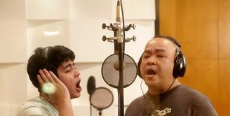 Kesuksesan Aliando Syarief sebagai bintang Ganteng Ganteng Serigala membuat namanya banyak yang mengidolakan, khususnya remaja. Ditambah lagi, Ali memiliki wajah ganteng. (Bambang E. Ros/Bintang.com)