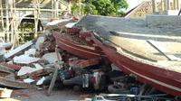 Masjid Lading-Lading hancur saat diguncang Gempa Lombok. (@Sutopo_PN)