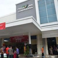 Nggak hanya mall dan trade center yang ikut Festival Jakarta Great Sale 2015, pasar tradisional juga, lho!
