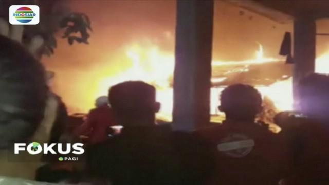 Empat rumah pengungsian korban gempa Lombok, NTB, habis dilalap api.