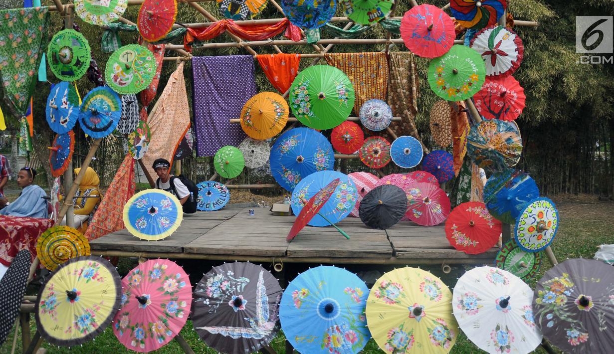 Foto Semarak Ribuan Payung Nusantara Di Festival Payung Indonesia