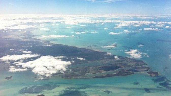 Gelombang besar di Segitiga Bermuda bisa mematahkan sebuah kapal menjadi dua, kata ahli. (iStock)