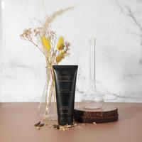 Mencoba keunggulan Sublime Face Cleanse dari Maharis Skincare.