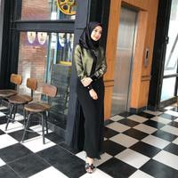 Penampilan hijab para artis cantik yang bisa jadi inspirasi kamu. (laudyacynthiabella/instagram)