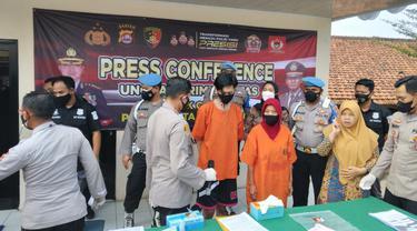 Polisi mengungkap kasus prostitusi di Kota Tangerang, Jumat (17/9/2021).