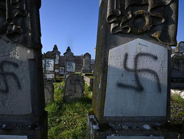 107 Makam Yahudi di Prancis Dicoreti Simbol Nazi