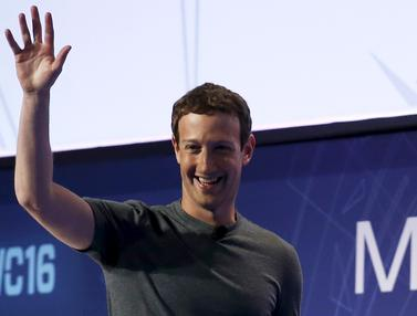 20160223-Senyum Semringah Mark Zuckerberg di Mobile World Congress 2016-Barcelona