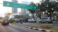 Satu demi satu persoalan yang terdapat di Ibu Kota Jakarta mulai teratasi. Janji Gubernur Anies Baswedan untuk membuat warganya bahagia dan maju kotanya perlahan ditunaikan.