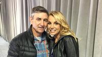 Britney Spears dan ayahnya, Jamie Spears. (Instagram/ britneyspears - https://www.instagram.com/p/4M3SFEG8B2/)