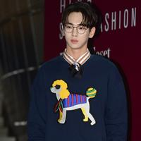 """""""Anggota yang lain juga begitu, kita tak bisa mengatakan apa yang terjadi dengan Jonghyun adalah titik nadir. Itu akan membuat Jonghyun menjadi khawatir,"""" lanjutnya. (Foto: instagram.com/bumkeyk)"""