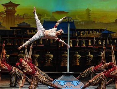 Pertunjukan Akrobat Perjalanan Para Pedagang China