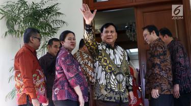 Gelar Pertemuan, Prabowo dan Megawati Kompak Pakai Batik
