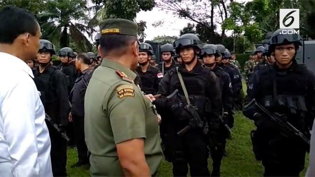 TNI Polri melakukan apel gabungan untuk pengamanan acara ngunduh mantu Kahiyang-Bobby di Medan.