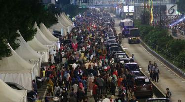 FOTO: Ribuan Warga Tumpah Ruah di Car Free Night Jakarta