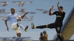 The Citizens bermain apik, akan tetapi berbagai serangan Man City pada menit-menit awal selalu kandas di kaki pemain West Ham. (Foto: AP/Pool/Martin Rickett)