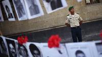 Data tentang kuburan rahasia secara nasional dirilis bertepatan dengan International Day of the Victims of Enforced Disappearances. (Rodrigo Arangua/AFP)