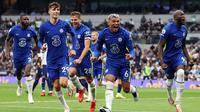 Para pemain Chelsea merayakan gol yang dicetak Thiago Silva ke gawang Tottenham pada lanjutan Liga Inggris 2021/2022, Minggu (19/9/2021). (dok. Chelsea FC)
