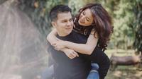Potret Prewedding Handika Pratama dan Rosiana Dewi. (Sumber: Instagram.com/handikapratama20)