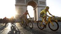 Balap sepeda adalah olahraga terpopuler kedua setelah sepak bola. Kebanggaan rakyat Kolombia pada James Rodriguez, Falcao di Piala Dunia 2014, hadir kembali melalui Egan Bernal (kuning) pada Tour de France 2019 kali ini. (AP/Thibault Camus)