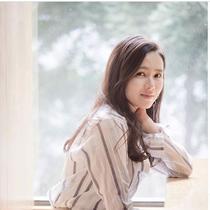 Son Ye Jin, Wanita Tercantik Sedunia 2020. (dok.Instagram @_son_ye_jin_/https://www.instagram.com/p/BLHdfMcjp0k/Henry)