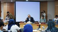 Anggota Komisi E DPRD DKI Yudha Permana  dalam rapat anggaran Komisi E dengan Dinas Kesehatan DKI. (Merdeka.com)