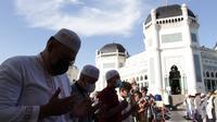Masyarakat antusias ikuti Salat Idul Fitri di Masjid Raya Al Mashun Medan