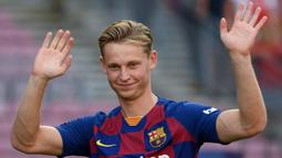 2. Frenkie de Jong (Barcelona/Belanda) - Gelandang. (AFP/Lluis Gene)