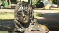 Penjaga kacamata Patung John Lennon