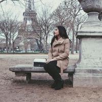Prilly Latuconsina jalan-jalan ke Eropa. (Instagram)