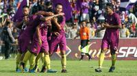 Persik Kediri mengalahkan PSCS Cilacap 3-1 pada leg 1 Final Liga 3 di Stadion Brawijaya Kota Kediri, Rabu (27/12/2018). (Bola.com/Gatot Susetyo)