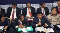 Menko Polhukam Wiranto bersama sejumlah menteri memberi keterangan pers RAPBN 2019 di Media Center Asian Games, JCC Jakarta, Kamis (16/8). Pada konpers tersebut nilai Rupiah dipatok Rp 14.400/US$ dalam RAPBN 2019. (Liputan6.com/Fery Pradolo)