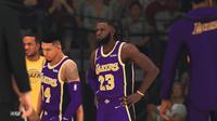 LeBron James di gim NBA 2K20 terlihat seperti di dunia nyata. (Liputan6.com/ Yuslianson)