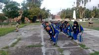 Para relawan Tagana tengah melakukan pelatihan antisipasi bencana di Garut (Liputan6.com/Jayadi Supriadin)