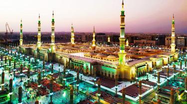 Masjid Nabawi di Madinah. MCH