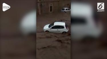 Banjir bandang menyebabkan sekitar 9 orang termasuk pasangan dari  Inggris meninggal di Mallorca, di Kepulauan Balearic, Spanyol.