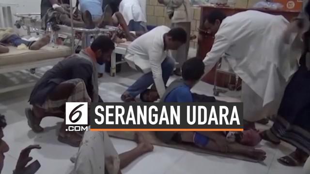 Pasar di Saada Yaman dibombardir militer koalisi Saudi. Serangan udara itu menewaskan 10 orang sipil, termasuk anak-anak.