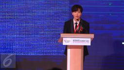 Leeteuk saat menjadi pembicara dalam acara Indonesia-Korea Business Summit 2017 di Hotel Shangri-La, Jakarta, Selasa (14/3). Boyband asal Korsel Super Junior alias Suju bakal kembali menggelar konser di Indonesia. (Liputan6.com/Herman Zakharia)
