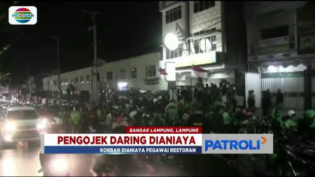 Ratusan pengemudi ojek daring di Lampung kepung sebuah restoran usai salah seorang pengemudi ojek dikeroyok pegawai restoran.