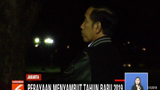 Presiden Jokowi habiskan malam tahun baru dengan makan bersama paspampres di Wisma Bayurini, Bogor.
