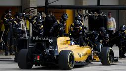 Renault Sport Formula One Team menempati urutan ke-9 dengan hanya mengumpulkan total poin 8 hingga saat ini. (Lars Baron/Getty Images/AFP)