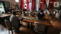 Suasana restoran di kawasan Mahakam, Jakarta, Sabtu (30/1/2021). Wakil Ketua Umum PHRI Bidang Restoran Emil Arifin memperkirakan 1.600 restoran terancam tutup jika Pemberlakuan Pembatasan Kegiatan Masyarakat (PPKM) terus diperpanjang. (Liputan6.com/Johan Tallo)